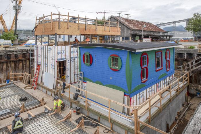 Blue cabin residency hosts Coast Salish weavers